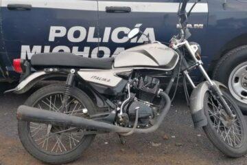En posesión de motocicleta con reporte de robo, Policía Municipal asegura masculino