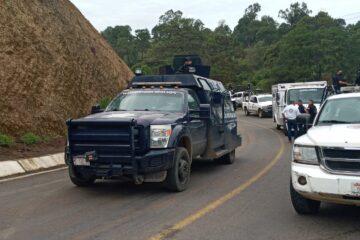 Atacan a balazos a la policia Michoacán