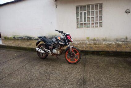 Policía Municipal recupera motocicleta con reporte de robo