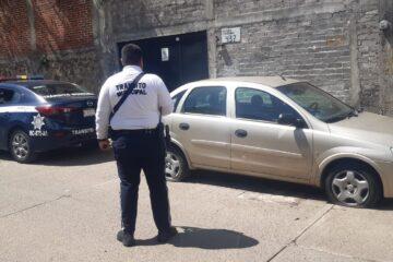 En Jucutacato, Policía Municipal división Tránsito recupera vehículo con reporte de robo